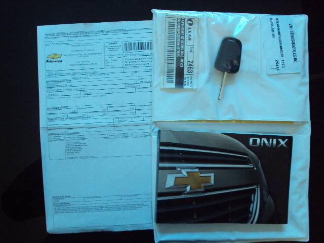 ONIX LT 1.0 MYLINK - 2014/2015 - BRANCO 18